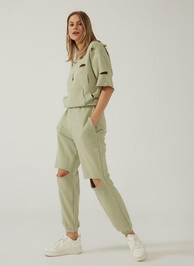 People By Fabrika Kadın Yırtık Detaylı Sweatpant PFKSS21EI0014 Yeşil